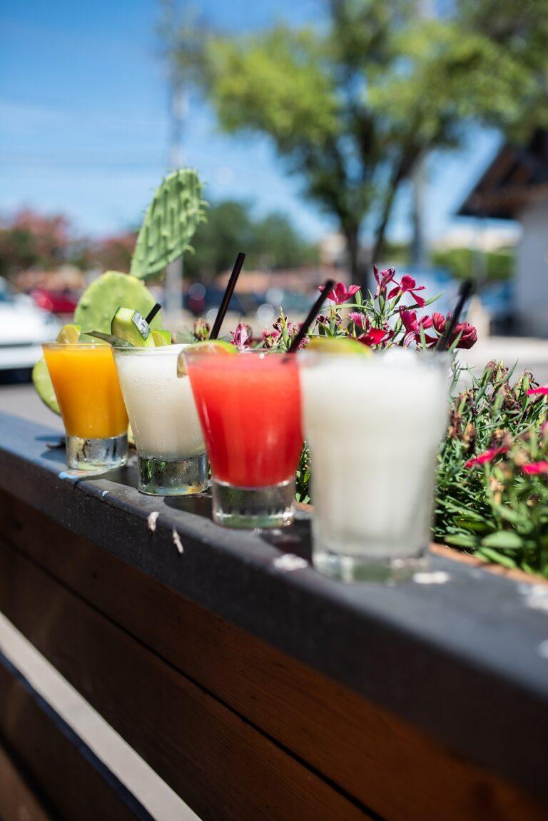 Πώς επιλέγω ποτά και αφεψήματα; Ένας οδηγός για υγιή κατανάλωση
